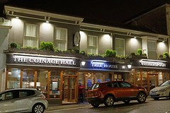 Helston, Coinage Hall (night) (Dayoff171) Tags: cornwall boozers unitedkingdom england europe pubs publichouses gbg gbg2018 kernow greatbritain