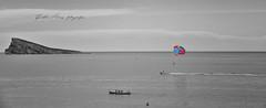 (023/18) Color (Pablo Arias) Tags: pabloarias photoshop photomatix capturenxd españa cielo nubes arquitectura mar agua mediterráneo gente desaturadoselectivo isla benidorm alicante