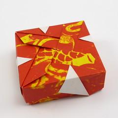 Depressed Propeller Box (Michał Kosmulski) Tags: origami box propeller colorchange colourchange michałkosmulski kamipaper red yellow