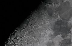 Landschaftsfotografie - auf dem Mond (maikkregel) Tags: maikkregel a6000 sony 1200mm brennweite sigma telekonverter moon mond nachtaufnahme nachthimmel