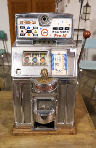 Dime Slot Machine ($952.00)