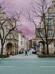 Lass uns spielen Baby! (bornschein) Tags: city architektur tree baum strase stuttgartstreet geschwobelt