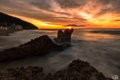 Garraf (JesusLobato) Tags: playa beach nikond3100 amanecer amaneceres garraf filtros lucroit nd nd10 degradado largaexposicion sedas sedosas aguas tokina 1116