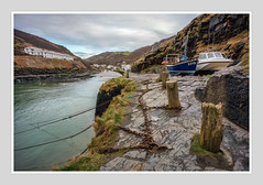 PARKED UP OVER WINTER (Barry Haines) Tags: boscastle cornwall harbour boats rocks sea sony a7r2 a7rii 21mm carl zeiss distagon loxia f28