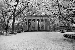 Graceland 8 (cbillups) Tags: gracelandcemetery charliebillupschicago cemetery chicago