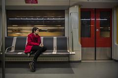 The girl in the red jacket (- Cajón de sastre -) Tags: girl chica rojo red metro underground amsterdam retrato portrait erlamorgan