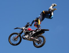 Objects in motion (Fehlfokus) Tags: perth australiaday2018 motocross