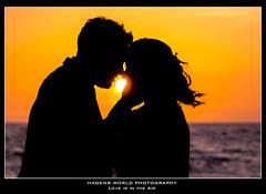 Love is in the Air (Hagens_world) Tags: man ocean sunset water person sky sunlight woman landscape dämmerung frau himmel mann meer mensch mujer natur nature ozean sol sonne sonnenlicht sonnenuntergang wasser aqua cielo dusk hombre luzdelsol natura paisaje sea sun sundown twilight mazatlan sinaloa mexico canon canoneos5dmarkiii mex love silhouette