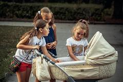 Young moms (Unicorn.mod) Tags: 2017 colors child childs girl girls canoneos6d canon samyang samyang85mmf14asifumc samyang85 myfocus manual manuallens manualshooting evening august summer