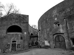 Fort Everdingen 2 (Mattijsje) Tags: fort everdingen fortress hollandse waterlinie holland nederland netherlands old antique war ww1 wwi wereldoorlog baksteen bricks fortbrouwerij duitslauret