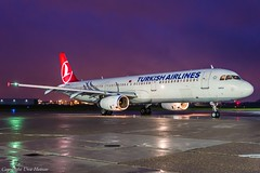 Turkish Airlines TC-JRS HAJ at Night (U. Heinze) Tags: aircraft airlines airways flugzeug planespotting plane haj hannoverlangenhagenairporthaj nikon night eddv