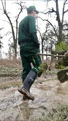 (Aigle_Benyl) Tags: muddyboots muddy mud stiefelimmatsch stiefel gummistiefelimeinsatz baueringummistiefeln gummistiefel rubber rubberboots