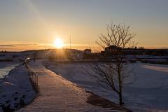 A Pathway to Liuskasaari (makkus1996) Tags: pathway path bridge sky sun sunset winter cold ice snow sea frozen canon photography