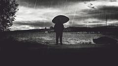 El funeral de las almas (Mishifuelgato) Tags: funeral almas apocalipsis fin del mundo black white blanco negro sony a290 minolta 3570mm f4 portrait silhouette fotografía sea port mar sky dark melancholy sadness