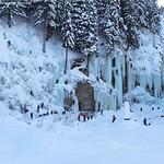 Eiskletterer im Eispark thumbnail