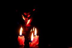 Parigi brucia? (meghimeg) Tags: 2018 genova macromonday fuoco fire flames rosso red rot royo