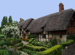 Ann Hathaways Cottage (saxonfenken) Tags: 9982house 9982 tcfunam annhaterway cottage garden thatch house challengeyouwinner cyunanimous perpetual thumbsupunam gamewinner friendly challenges
