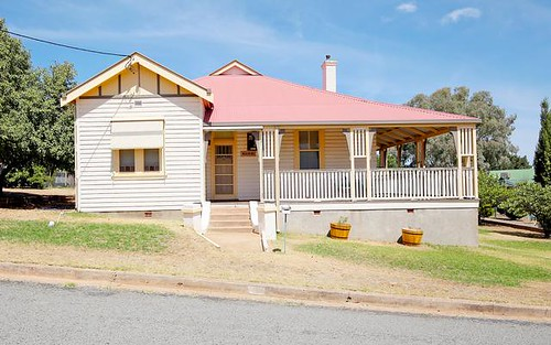 3 Golf Ave, Junee NSW
