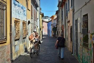 """San Giuliano (Rimini), il """"borgo"""" di Federico Fellini: via Marecchia"""