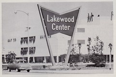 LAKEWOOD Center Sign, Lakewood, Calif. (sign by QRS Neon) (hmdavid) Tags: lakewoodcenter shopping center mall california 1950s lakewood qrsneon signsofthetimes magazine 1953