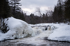 Barely Flowing (Aymeric Gouin) Tags: canada québec waterfall chute chutesdeau eau river water snow neige winter hiver white blanc nature landscape paysage paisaje landschaft fujifilm xt2 aymgo aymericgouin travel voyage