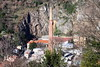 zoom sur la cheminée ;) (8pl) Tags: paroi cheminée industrie zoneindustrielle cheminéeindustrielle rijeka croatie falaise zoom ville urbain talus maisons branchages branches