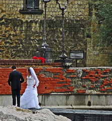to have and to hold...Naples Italy (al-ien) Tags: wedding wed naplesitaly