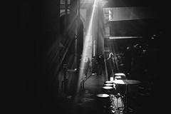 Mirroring (elgunto) Tags: people street boqueria mercat blackwhite bw light shadows contrast sunrays photographer streetphotography fujifilm fujix xseries x100s