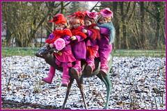 Hoch zu Reh ... durch den Park ... (Kindergartenkinder) Tags: kindergartenkinder annette himstedt dolls sanrike tivi gruga grugapark essen karneval fasching annemoni milina kostüm