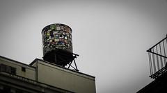Water Tower Tom Fruin (Vicente Vidal) Tags: nuevayork nueva york new newyork building usa canon watertowertomfruin water tower tom fruin colors depositosdeagua arte