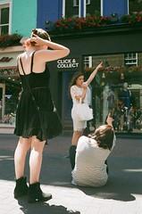 Click & Collect (Robert Bosson) Tags: carnabystreetlondon londonstreets london streetscene leicam5 leicafilmcamera voigtlandercolorskopar voigtlanderlens voigtlander35mmlens fujicolorc200