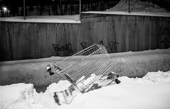 Oslo (morten f) Tags: oslo trosterud norge norway winter vinter snow snø 2018 handlevogn shopping cart forlatt natt kveld dark night street photography monochrome