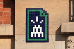 Paris 15ème (PA_1274) (Meteorry) Tags: europe france idf îledefrance paris spaceinvader spaceinvaders invader invaderwashere tiles carrelage carreaux mur wall street rue art artderue pixels pa1274 streetname sign vertical mosaïques squaredenouettes denouettes bleu blue