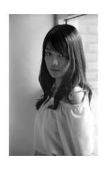 2018-02-11-0011 (apisit_sorin) Tags: ilford pan 400 canon eos 30 film negative black white portrait asian thailand sakon nakhon old woman man cat lifestyle fd 50mm f14 scan