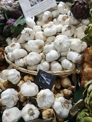 French Garlic, Turnips, Borough Market, Southwark, London (f1jherbert) Tags: lgg6 lgelectronicslgh870 lgelectronics lg g6 lgh870 electronics h870 londonengland london england uk unitedkingdom londongreatbritain greatbritain great britain londonunitedkingdom gb united kingdom