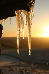 Icy Sunset Sparkle (Derbyshire Harrier) Tags: dusk sunset 2017 stanageedge gritstone winter december christmas peakdistrict peakpark easternmoors nationaltrust snow ice moorland derbyshire darkpeak