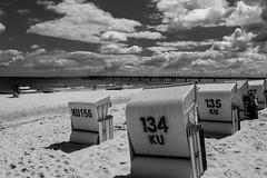 Usedom - Ahlbeck (matthias-fotografien) Tags: usedom ahlbeck strand strandkörbe monochrome ostsee wolken clouds