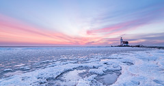 Frosty sunrise @ Het Paard van Marken, Netherlands [Explored 5-3-2018] (Henk Verheyen) Tags: hetpaardvanmarken marken nl nedeland netherlands redcuillinmountains bevroren blauw blue frost ice ijs lighthouse orange oranje roos sneeuw snow sunrise vorst vuurtoren water winter zonsopkomst