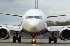 Boeing 737 Ryanair (TrickyMartin2006) Tags: airport flugzeug weeze nrn jet