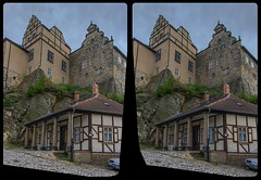 Quedlinburg Castle 3-D / CrossView / Stereoscopy / HDR / Raw (Stereotron) Tags: sachsenanhalt saxonyanhalt ostfalen harz mountains gebirge ostfalia hardt hart hercynia harzgau quedlinburg architecture castle hill walls antiquated ancient medieval middleages 3dframe fancyframe floatingwindow spatialframe stereowindow window europe germany crosseye crosseyed crossview xview cross eye pair freeview sidebyside sbs kreuzblick 3d 3dphoto 3dstereo 3rddimension spatial stereo stereo3d stereophoto stereophotography stereoscopic stereoscopy stereotron threedimensional stereoview stereophotomaker stereophotograph 3dpicture 3dglasses 3dimage hyperstereo twin canon eos 550d yongnuo radio transmitter remote control synchron kitlens 1855mm tonemapping hdr hdri raw