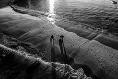 Praia da Boa Viagem - Niterói - Rio de Janeiro (mariohowat) Tags: praiasdoriodejaneiro praiadaboaviagem niterói natureza riodejaneiro sunset sunrise amanhecer pretoebranco pb monochrome blackandwhite brazil brasil bw canon6d canon blancoynegro
