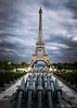 Balade parisienne (christelerousset) Tags: toureiffel eiffel eiffeltower paris france trocadéro canons euro football nuages ciel gris