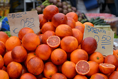 Blood oranges (Thomas Roland) Tags: appelsin blod blodappelsin blood oranges market stall pile fruit orange fresh campo de fiori rome rom roma italia italy italien europe europa travel rejse holiday city by stadt roman tourist tourism destination visitors