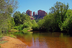 Cathedral Rock - view from Crescent Moon Picnic Site - Sedona, AZ (SomePhotosTakenByMe) Tags: reflection spiegelung crescentmoonpicnicsite cathedralrock redrock berg mountain baum tree urlaub vacation holiday usa america amerika unitedstates arizona sedona outdoor landschaft landscape natur nature