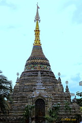 """Wat Cheatawan"" วัดเชตวัน (ol'pete) Tags: ""watcheatawan"" วัดเชตวัน buddhist พุทธศาสนิชน chiangmai เชียงใหม่ prang พระปรางค์ stupa สถูป ""templeassemblyhall"" โบสถ์ thailand ประเทศไทย เมืองไทย ""thapaeroad"" ถนนท่าแพ ""canon7dmk2"" ""earthasia"""
