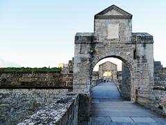 Puerta del Socorro Ciudadela Pamplona 02 (Rafael Gomez - http://micamara.es) Tags: navarra puente y puerta del socorro acceso desde parque de la vuelta castillo ciudadela pamplona