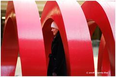 Framing Is So Important - Robson XP7665e (Harris Hui (in search of light)) Tags: harrishui fujixpro2 digitalmirrorlesscamera fuji fujifilm vancouver richmond bc canada vancouverdslrshooter mirrorless fujixambassador xpro2 fujixcamera fujixseries fujix fuji56mmf12 fujiprimelens fixedlens framing sculpture red portrait candid streetphotography