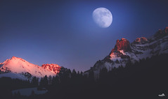 Blue moon (VandenBerge Photography (Back again!)) Tags: bluemoon adelboden mountains alps berneseoberland cantonberne switzerland nature nationalgeographic panorama landscape winter sky snow skyscape moon