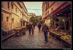 Paris_La Halle Mouffetard _4 Rue de l'Arbalète_5e Arrondissement (ferdahejl) Tags: paris lahallemouffetard 4ruedelarbalète 5earrondissement dslr canondslr canoneos800d