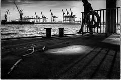 safety first (ingrid.lowis) Tags: street bw monochrom harbour hamburg
